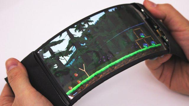 Стартовала разработка первого в мире смартфона с гибким экраном