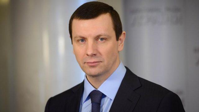 Луценко просит снять неприкосновенность с нардепа Дунаева