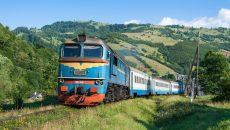 Большинство локомотивов УЗ старше 30-ти лет
