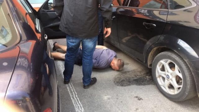 Винницкий прокурор попался на взятке