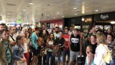 Украинские туристы вновь застряли в зарубежном аэропорту