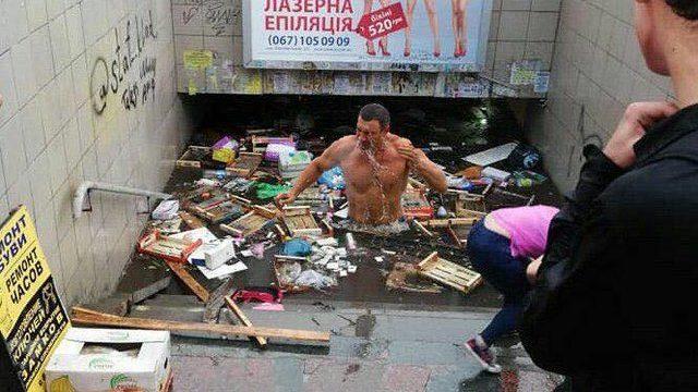 Кличко обещает заняться ремонтом ливневой канализации