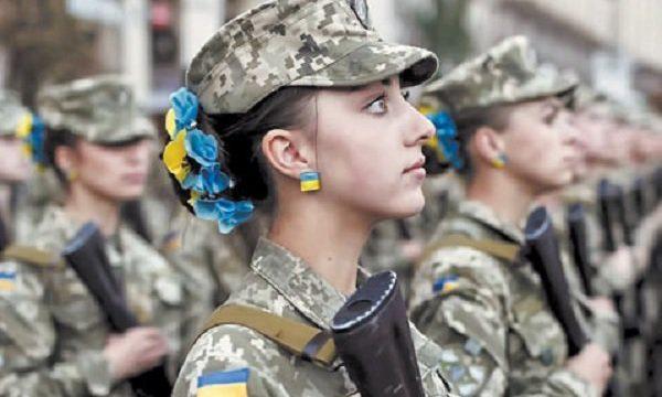 Порошенко поздравил с днем защитника отечества