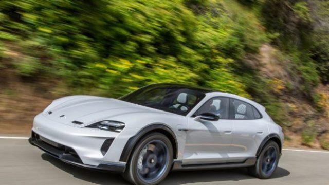 Porsche пустит электрокроссоверы в серию