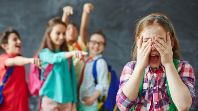 Порошенко подписал закон о противодействии буллингу в школах