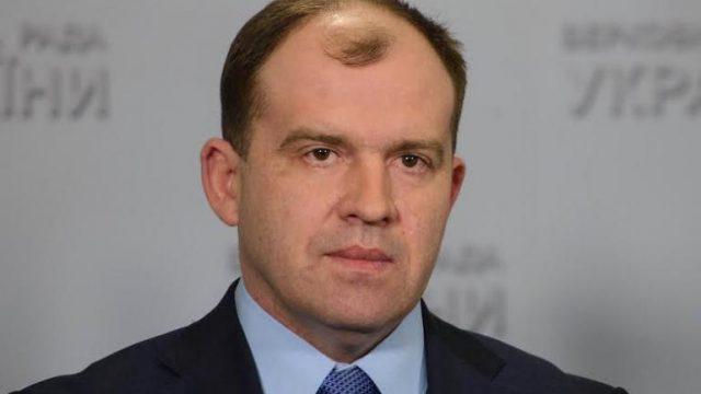 Парламент не стал снимать неприкосновенность с Колесникова