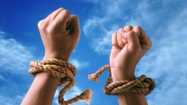 МОМ: больше всего украинцев попадает в трудовое рабство в РФ и Польше