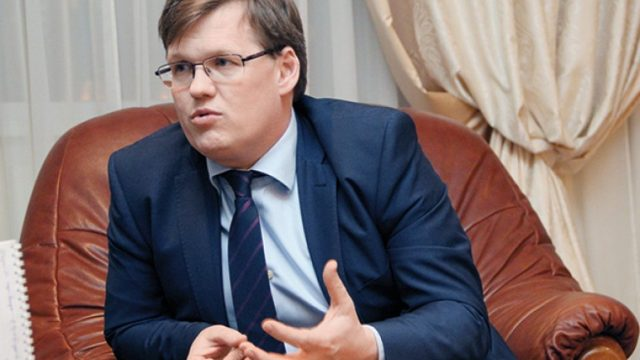 Розенко поручил ускорить строительство монумента Соборности Украины
