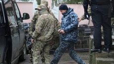 Суд Москвы продлил арест всем украинским морякам