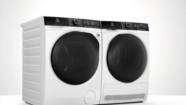 Как быстро высушить одежду после стирки: 3 простых способа