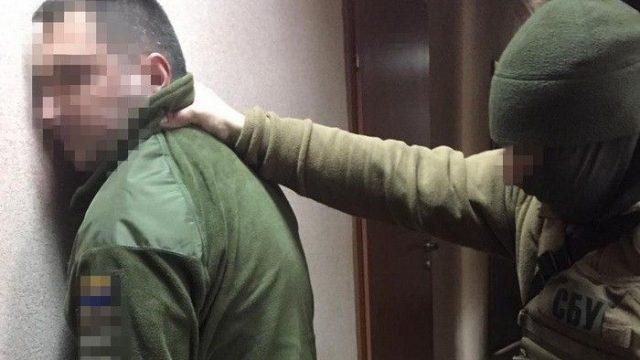 Один из одесских военкомов попался на крупной взятке