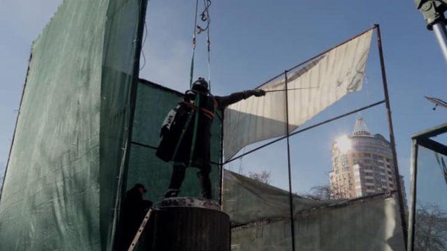 В Киеве демонтировали памятник Суворову