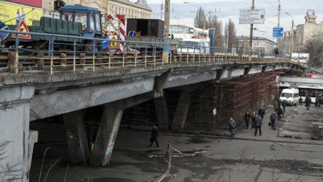 Шулявский путепровод в Киеве закрыт на реконструкцию