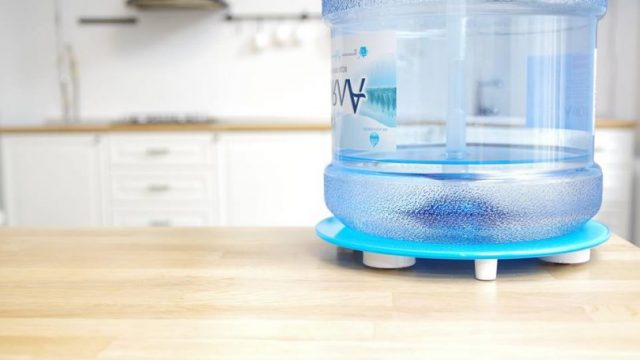 Стартап Ally создал умную подставку для бутылей воды