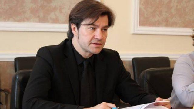 Украина готова направить реставраторов для восстановления Собора Нотр-Дам, - Нищук