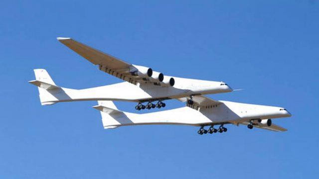 Совершил первый полет самый большой в мире самолет