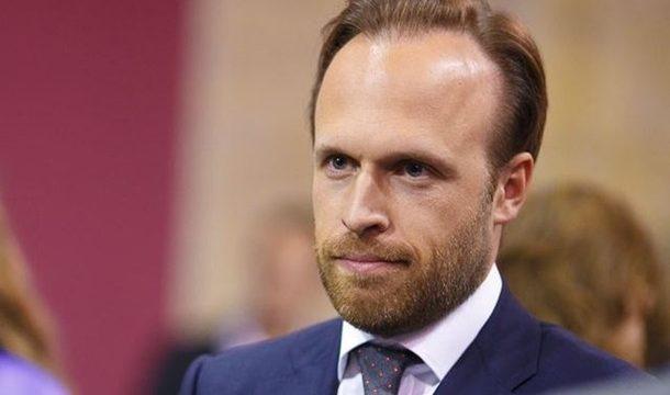 Филатов подал в отставку с должности замглавы АП