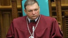 Шевчук будет судится за кресло главы КСУ