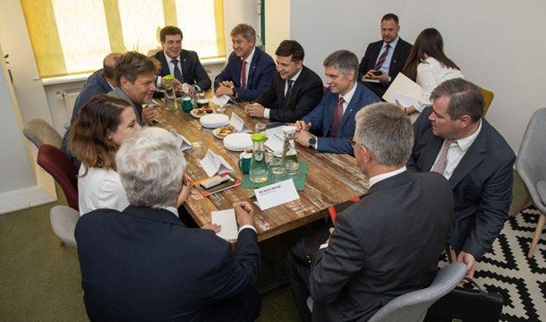 Зеленский обсудил нормандский формат с президентом ФРГ