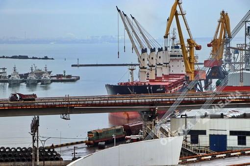 В Укрзалізниці заявили, что Николаевский филиал АМПУ блокирует их работу на территории порта
