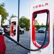 На трассе Киев-Чоп появятся зарядки от Tesla