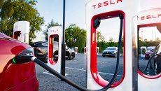 Маск пообещал украинцам зарядки Тесла