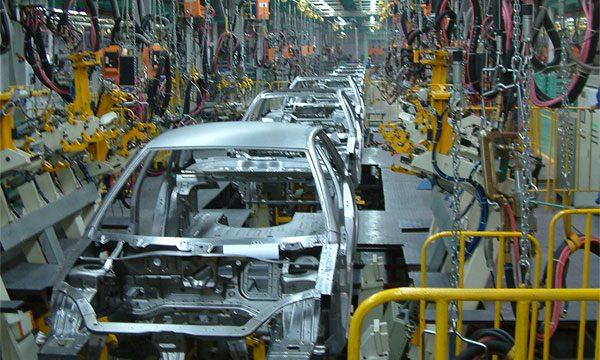 В США работники заводов GM начинают забастовку