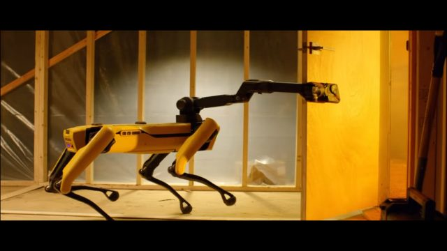 Boston Dynamics будет торговать робопсами