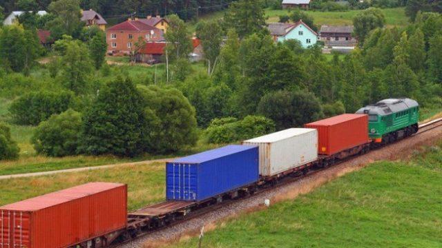 УЗ запускает еще один контейнерный поезд