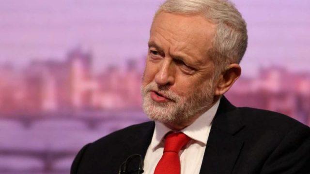 Лидер лейбористов Джереми Корбин обвинил Дональда Трампа в попытке вмешаться в британские выборы