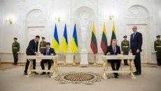 Зеленский подписал в Литве ряд документов