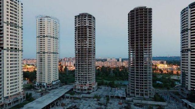 Кличко попросил МВД достроить свечки-долгострои на Троещине
