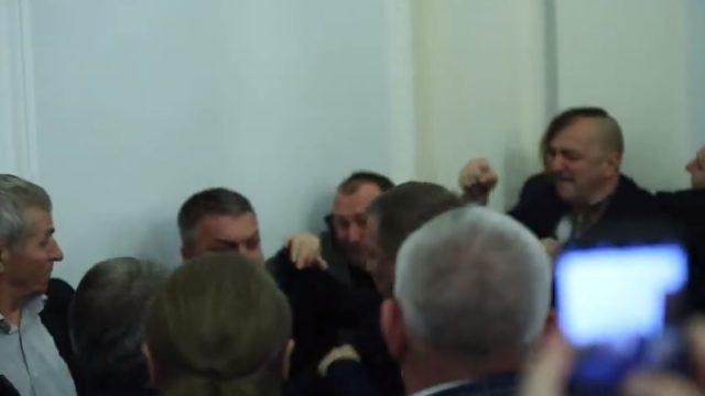 Обидчику депутата Богданца сообщили о подозрении