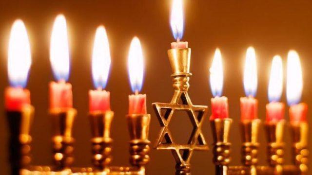 Президент поздравил украинских иудеев с праздником