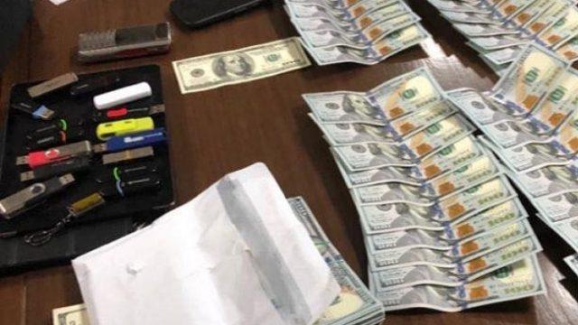 Экс-чиновника ГПУ поймали на взятке