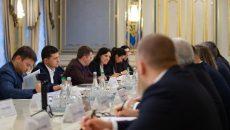 Президент предложил сетям АЗС снизить цены
