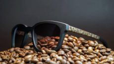 Украинец создал успешный стартап и производит эко-очки