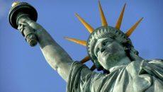 Кандидат в президенты США Уильямсон вышла из предвыборной гонки