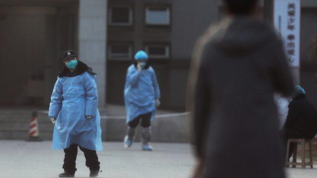 В Шанхае из-за коронавируса закрыли парк Диснейленд