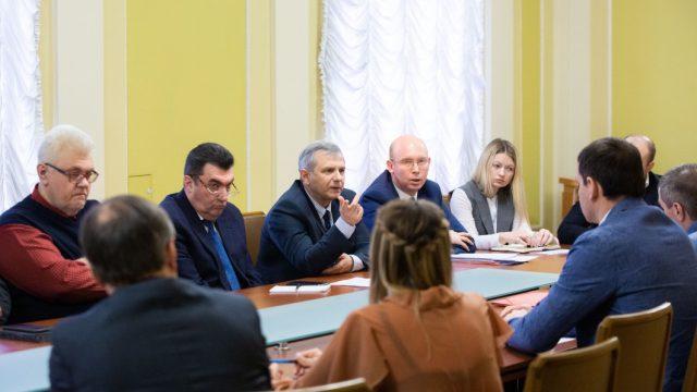 На Банковой говорили о восстановлении Донбасса