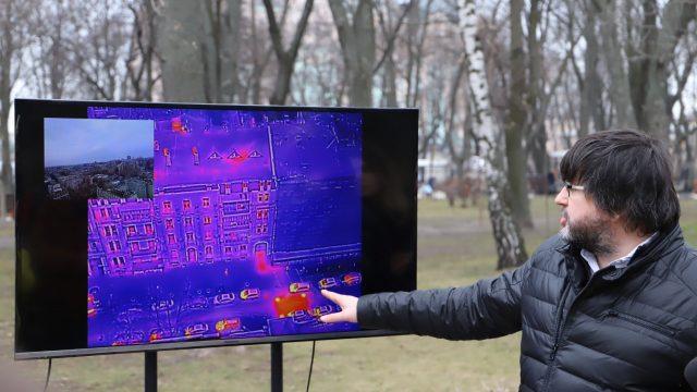 В Киеве теплосети обследуют с помощью дронов