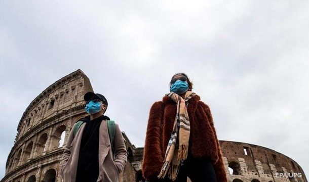 В Италии инфицировались коронавирусом уже более 300 человек