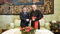 Зеленский попросил Ватикан помочь с урегулированием конфликта на Донбассе