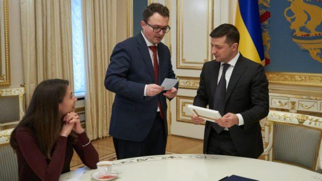 Глава государства встретился с командой Представительства Президента в АР Крым
