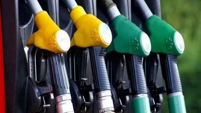 АМКУ спрогнозировал падение цен на бензин и дизтопливо