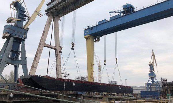 Николаевский завод «Океан» достроил две баржи для нидерландской компании «Eurobulk»