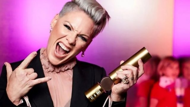 Певица Pink заявила, что выздоровела от коронавируса