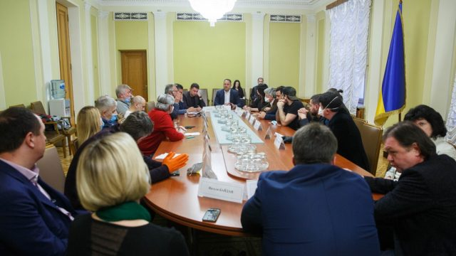 В Офисе президента обсудили украинский кинематограф