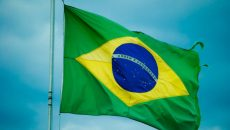 Бразилия обошла Британию по числу умерших с COVID-19