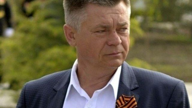 Суд заочно взял под стражу бывшего министра обороны Украины